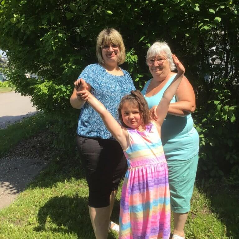 Tracy, her mother Carol-Anne, and her daughter Riddley